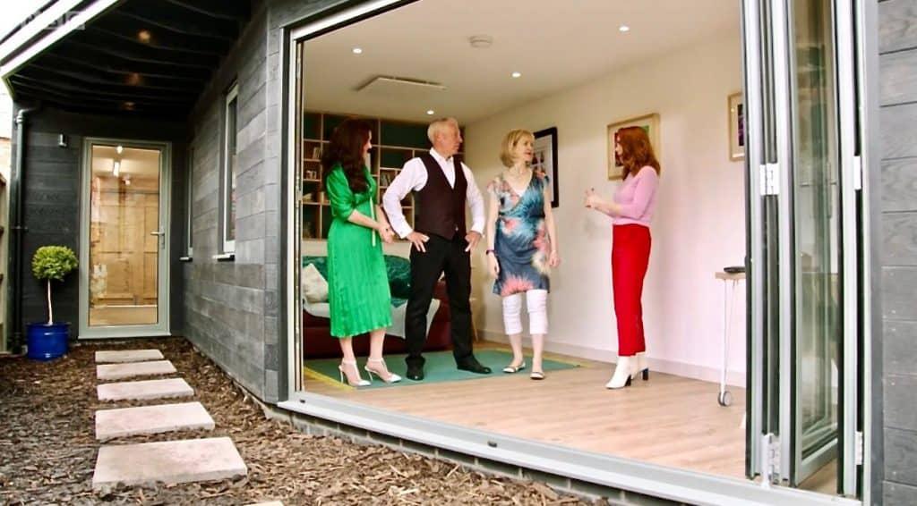 Ihre hausgemachte perfekte TV-Show installiert Herschel Infrarot-Heizung für Gartenzimmer