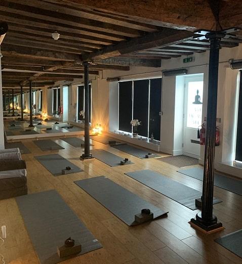 Heißes Yoga-Studio von Herschel beheizt